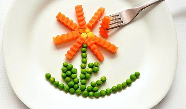 trẻ lười ăn rau : Hãy trình bày rau thật ngộ nghĩnh bắt mắt để tạo hứng thú cho trẻ