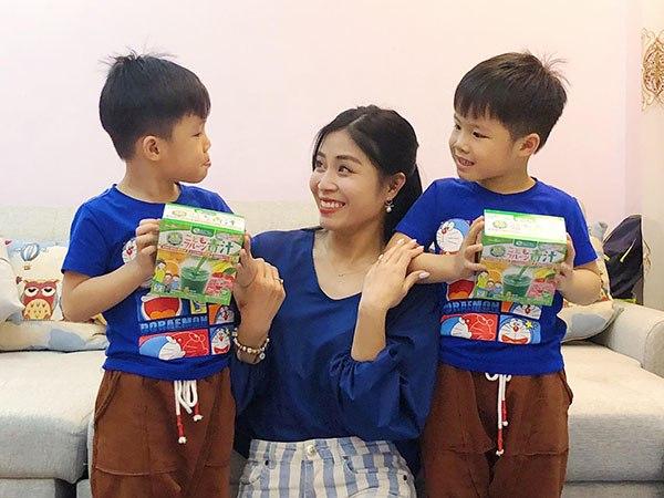 MC Nguyễn Hoàng Linh tin dùng Bột Rau Xanh Rooty