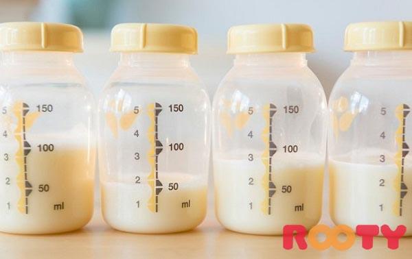trẻ rối loạn tiêu hóa nên ăn gì và sử dụng sữa mẹ là cách tốt